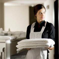 Reinigung und Zimmerservice mit berufsbezogenem Deutsch